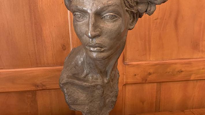 Rafael San Juan, Escultura en bronce y marmol, 3 de 7, 73 x 27 x 23, 2018.