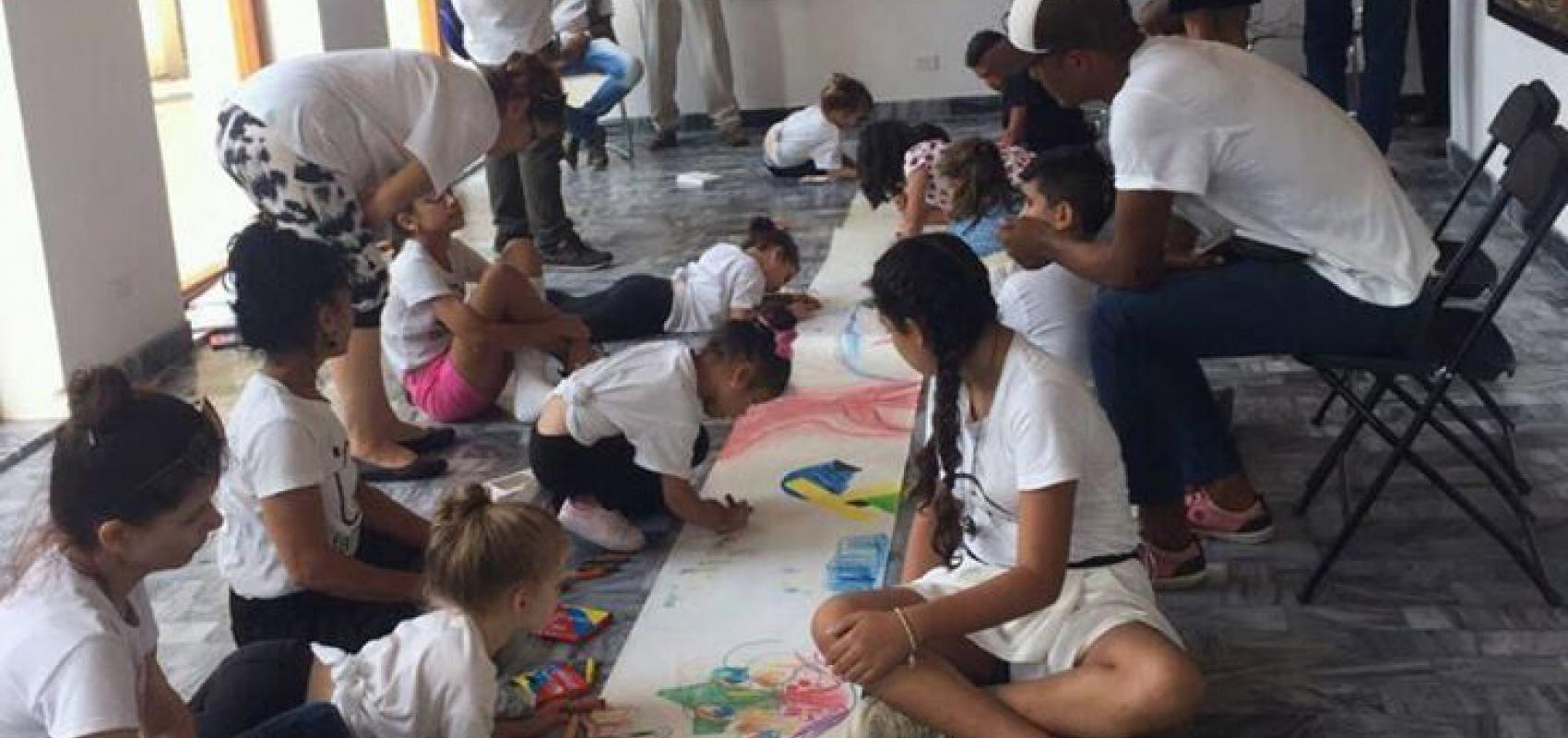 Actividad con niños-La Farmacia-Maxima Estudio-Taller